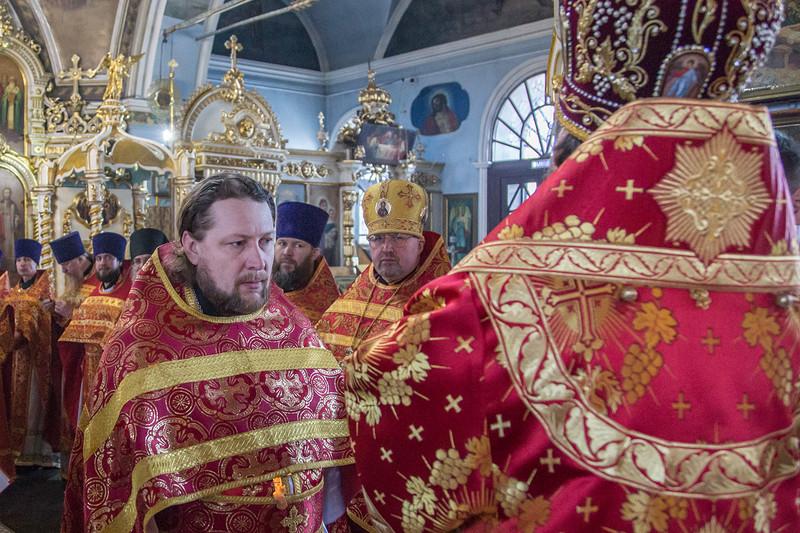Архиерейское Богослужение в Светлый четверг в городе Воткинск